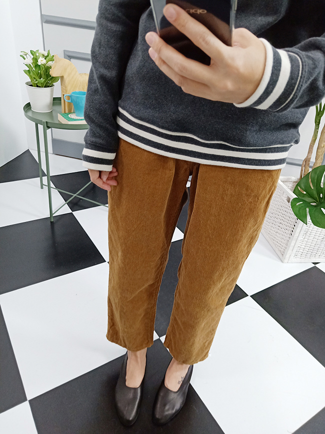 鈕釦燈芯絨休閒褲