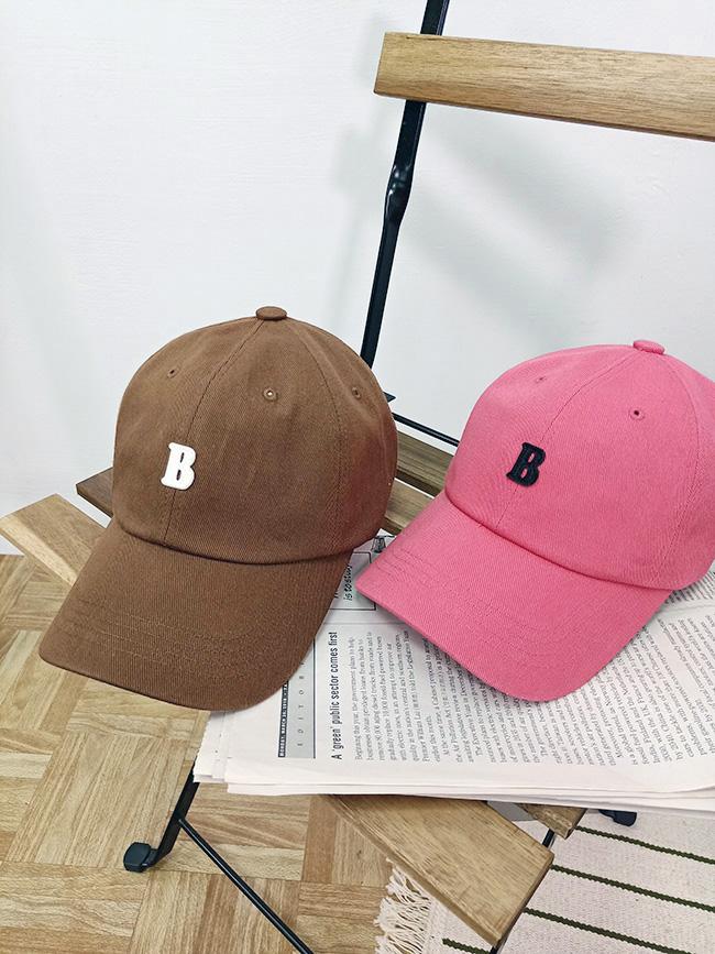 字母B亮色棒球帽
