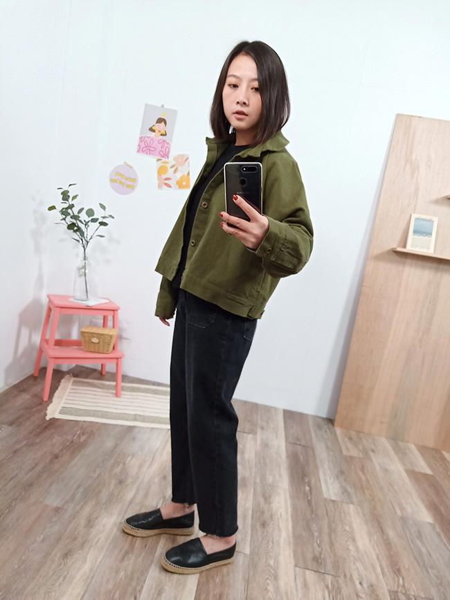 短版銅釦斜紋外套