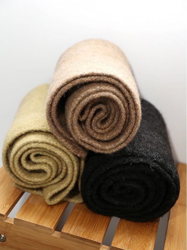 柔軟百搭素色圍巾