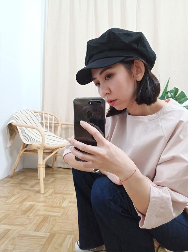 淺色麻料報童帽