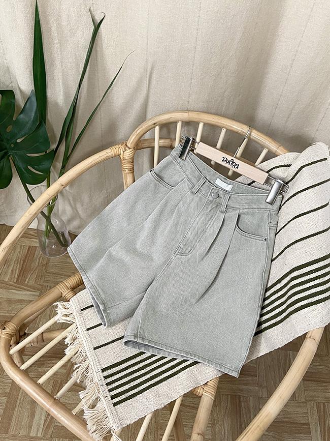 水洗色打褶短褲