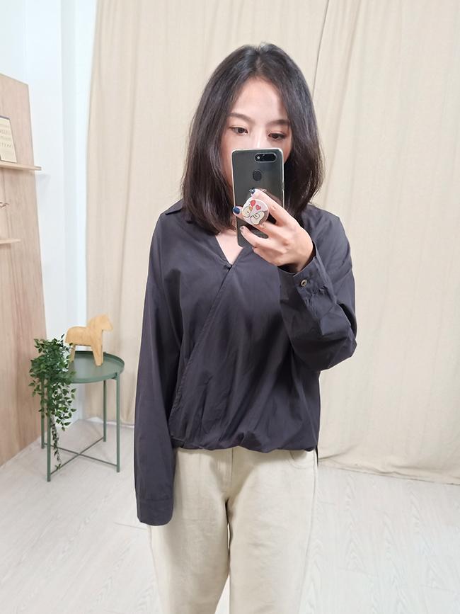假反褶包釦襯衫