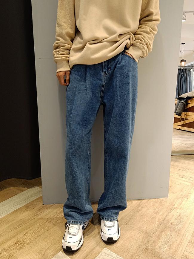 前打摺寬版牛仔褲